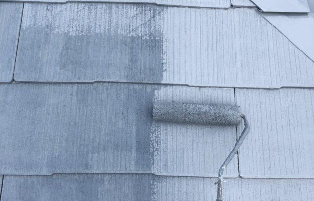 中央市F様邸、外壁・屋根塗装 屋根塗装下塗り2回目