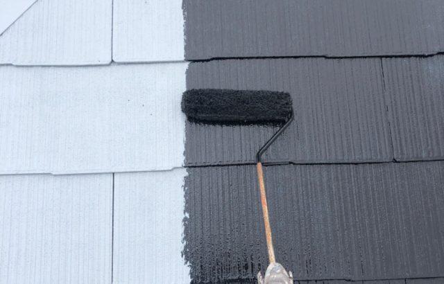 中央市F様邸、外壁・屋根塗装 屋根塗装中塗り