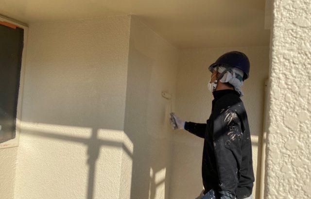 山梨市S様邸、外壁塗装工事 上塗り