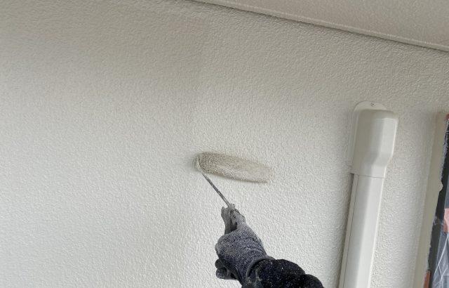 甲斐市A様邸、外壁・屋根塗装 外壁塗装上塗り