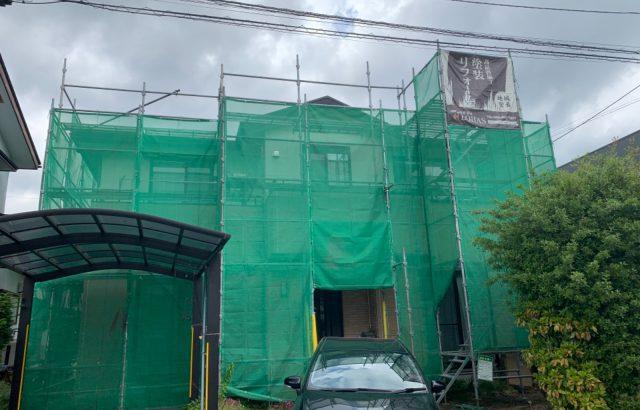 富士河口湖町H様邸、外壁塗装・屋根カバー工事 足場設置