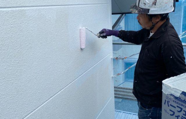 南アルプス市A様邸、外壁塗装工事 下塗り2回目